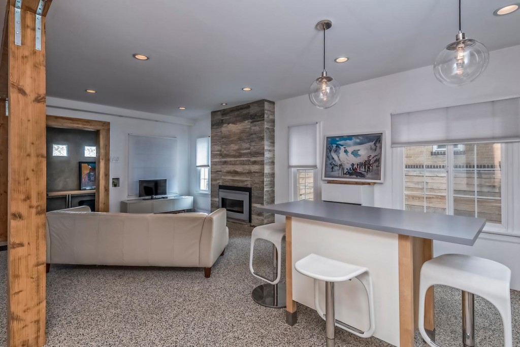 633 Colorado Blvd Denver CO-large-016-22-KitchenFamily Room-1498x1000-72dpi